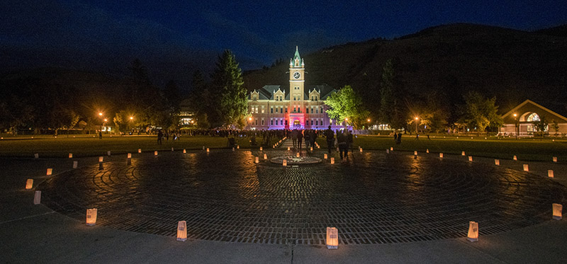 Picture of Luminaria with Main Hall in background