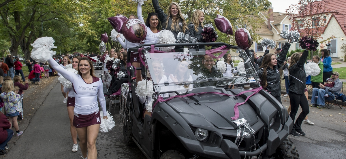 Register your entry for the 2015 Homecoming Parade! This year's theme is A Tradition of Champions.